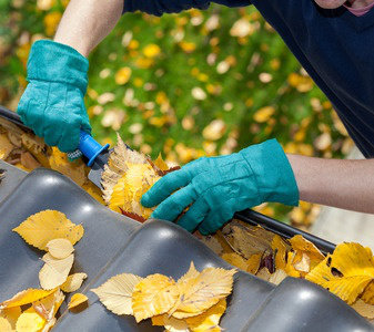 DIY gutter cleaning